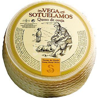 Vegasotuelamos Queso tierno de oveja  3 kg (peso aproximado pieza)