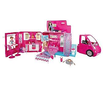 Barbie Autocaravana de Vacaciones con Piscina Trasera 1 Unidad