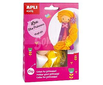 APLI Kit para construir una muñeca con forma de la princesa Rapunzel a base de materiales para realizar manualidades APLI