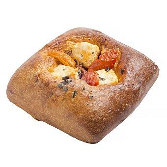 Aryzta Cuadrado masa brioche con queso feta, tomate y albahaca horno (venta por unidades) 1 u - 140 g