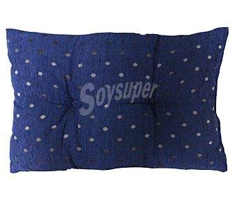 AUCHAN Cojín de chenilla color azul estampado topos, 37x57 centímetros 1 Unidad