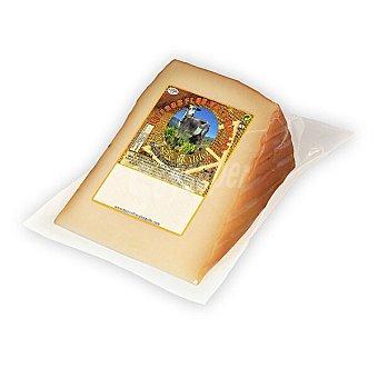 Flor valsequillo queso de cabra semicurado ahumado cuña 300 g