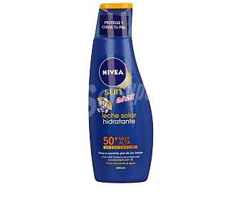 Nivea Sun Leche solar hidratante para la piel sensible de los bebés con factor protección 50+ (muy alta) 200 mililitros