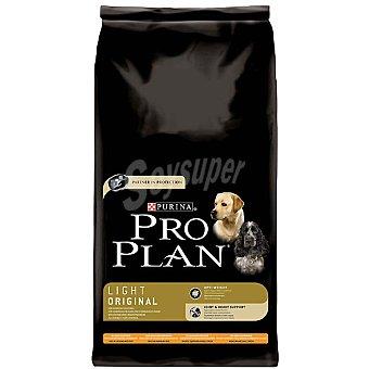 Pro Plan Purina Alimento especial para perros con tendencia al sobrepeso cualquier raza con pollo y arroz Light Original Bolsa 14 kg
