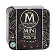 Mini bombón helado relleno de chocolate (70% cacao) y recubierto de chocolate crujiente Pack 6 x 60 ml Magnum Frigo