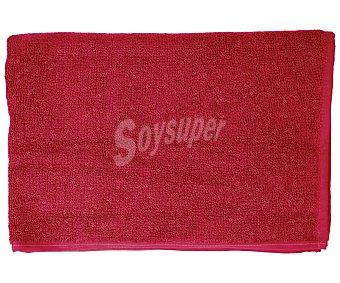 Productos Económicos Alcampo Alfombra de baño color rosa fucsia, densidad de 700 gramos/m², 50x90 centímetros 1 unidad