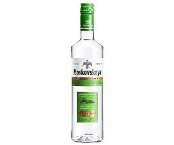 Moskovskaya Vodka blanco de triple destilación Botella de 70 cl