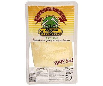 TRES OSCOS Queso en lonchas con bajo contenido en sal 250 gramos