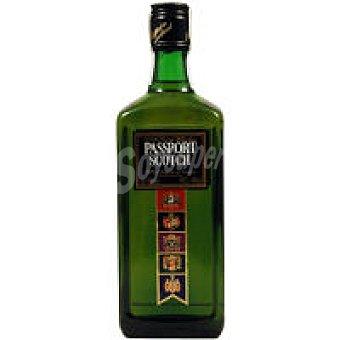 Passport Scotch Whisky Botella 50 cl