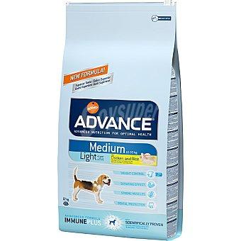 ADVANCE Medium light pienso para perros de raza mediana con sobrepeso con pollo y arroz Bolsa 12 kg