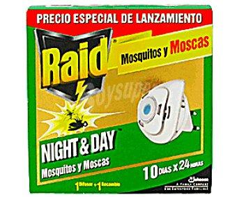 Raid Insecticida Eléctrico Mosquitos y Moscas Night&Day 1u+1