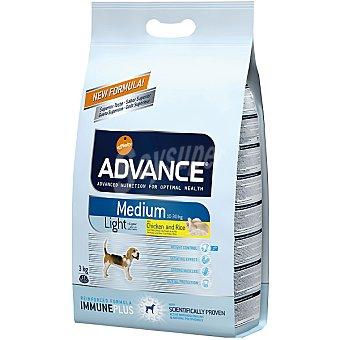 ADVANCE Medium light pienso para perros de raza mediana con sobrepeso con pollo y arroz Bolsa 3 kg